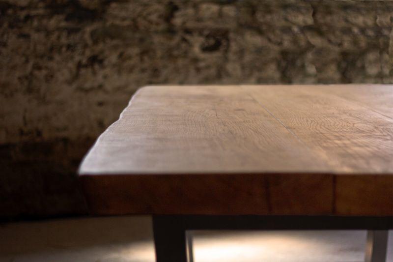 Naturally Curved Hand-Finished Oak Tree Table Edges
