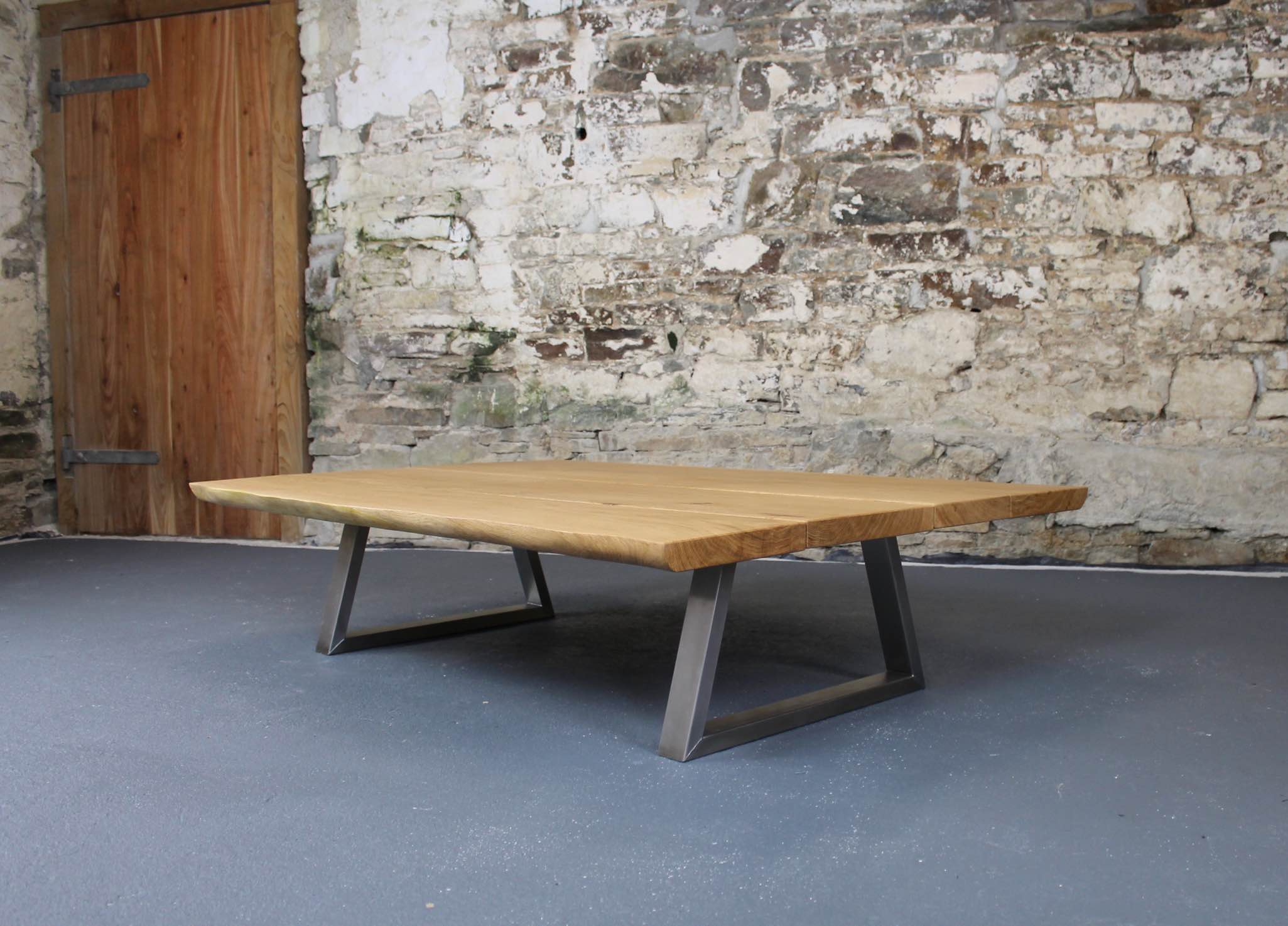 This Piranha has 40mm thick oak top with natural live-edges