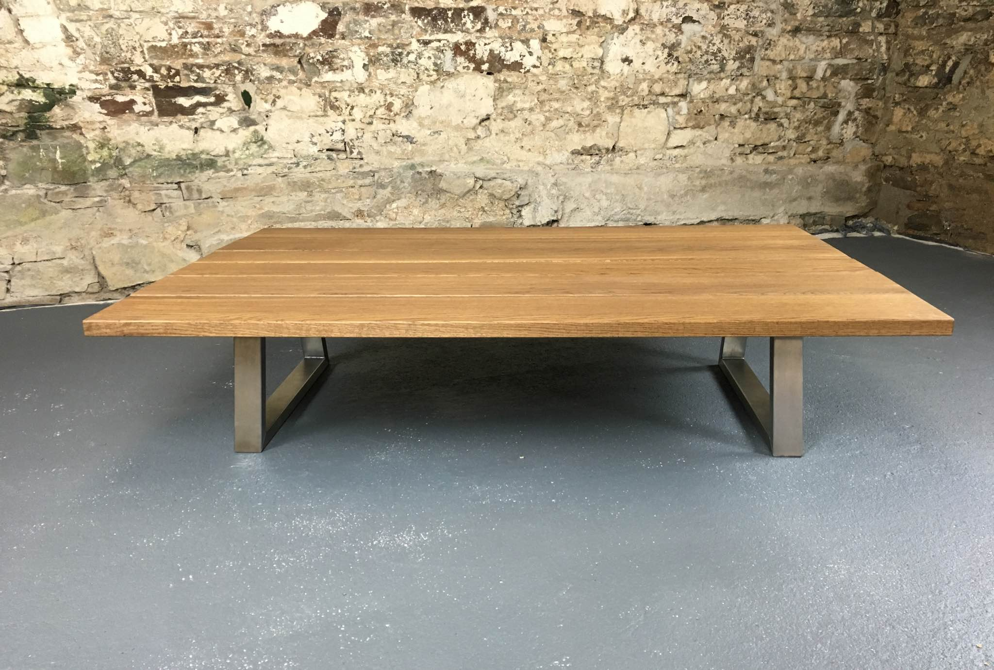 The table pictured measures 1500 x 1000 x 350mm