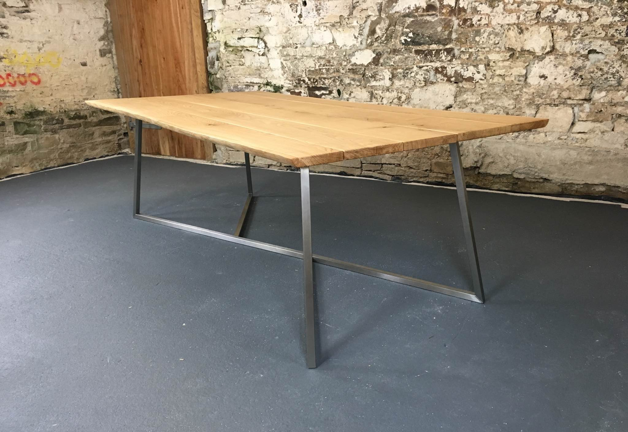 The Scorpion with 30mm thick oak top with natural live-edge